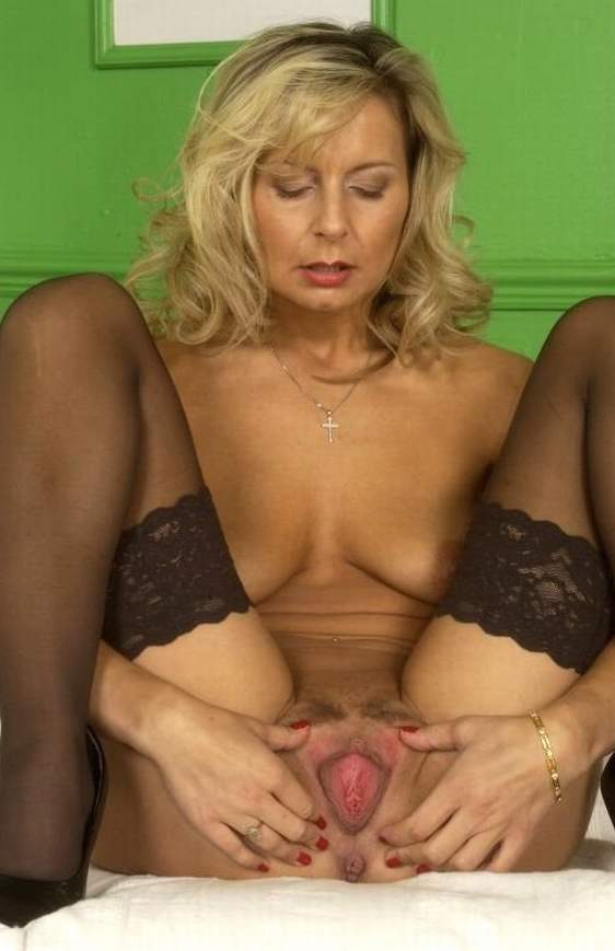 hot sexy blondes lesbian porn
